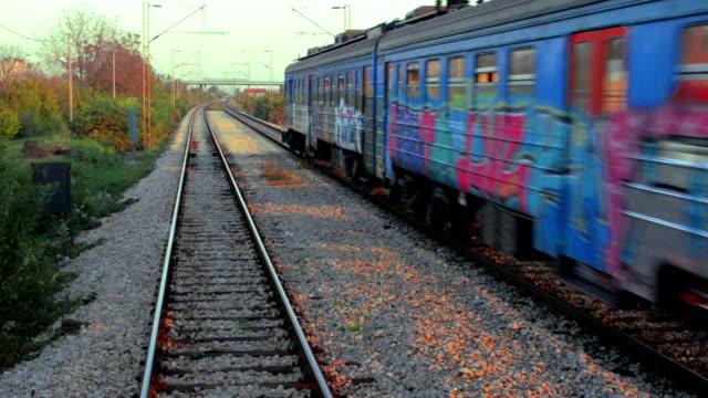 pociąg - intercity filmów i materiałów b-roll