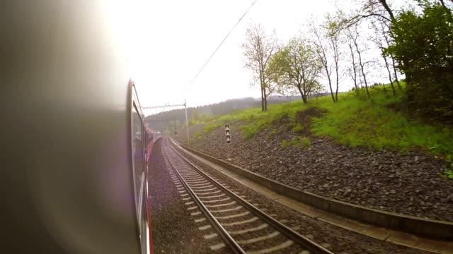 träna vid vinkel se ut genom fönstret - karpaterna tåg bildbanksvideor och videomaterial från bakom kulisserna