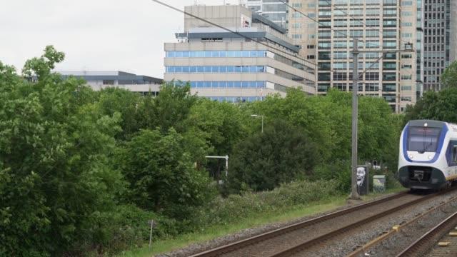 train with passengers passing with high speed - intercity filmów i materiałów b-roll