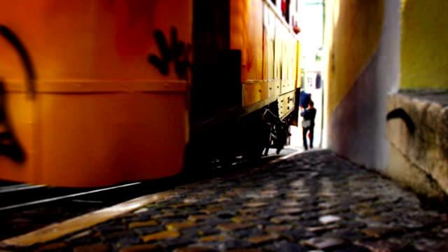 vídeos de stock e filmes b-roll de eléctrico lisboa, peça turno, time lapse, portugal - eletrico lisboa
