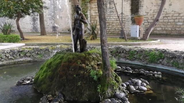 Trani - Fontana della villa comunale