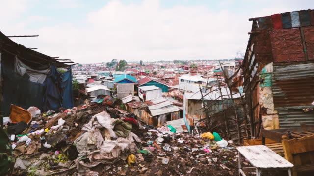 vídeos de stock e filmes b-roll de trash problem - sanitation view - economia circular
