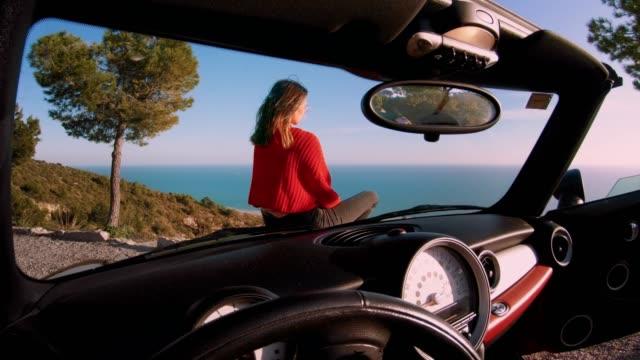 resor i cabrioleter för livet - spain solar bildbanksvideor och videomaterial från bakom kulisserna