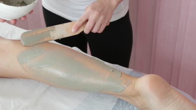 Tratamiento con arcilla en spa - vídeo