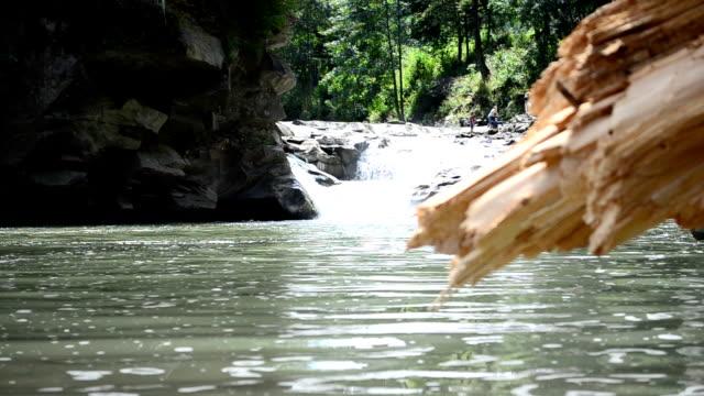 tree-och berg flod - stenhus bildbanksvideor och videomaterial från bakom kulisserna