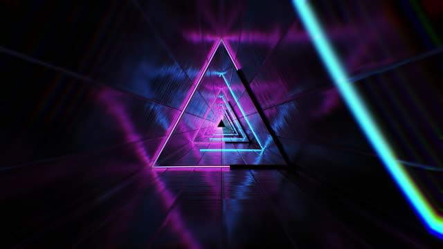 üçgen tünel loop b - sonsuzluk stok videoları ve detay görüntü çekimi