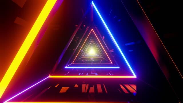 üçgen şekilli neon tünel - sonsuzluk stok videoları ve detay görüntü çekimi
