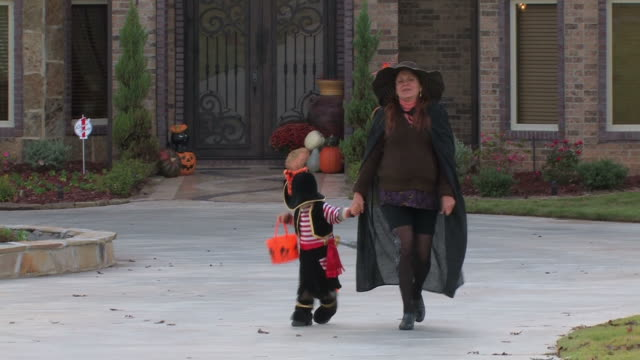 Trick-o-treat video