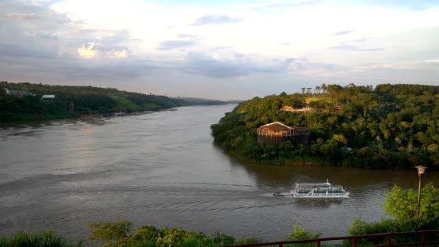 triple frontier landmark - парагвай стоковые видео и кадры b-roll