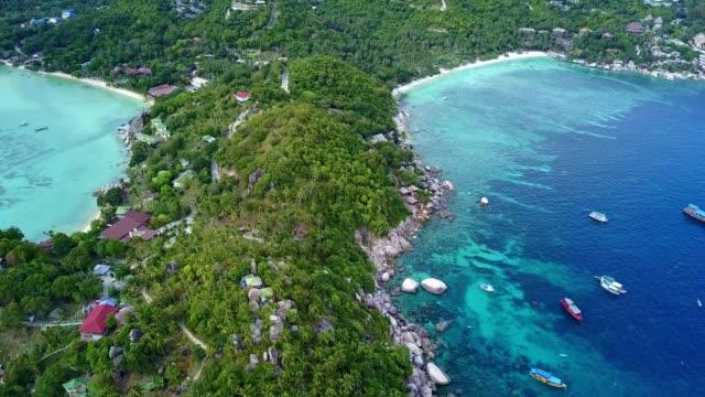 熱帯ビーチ パラダイス: おしゃれビーチ (タオ島、タイ) の熱帯の海で - サムイ島点の映像素材/bロール