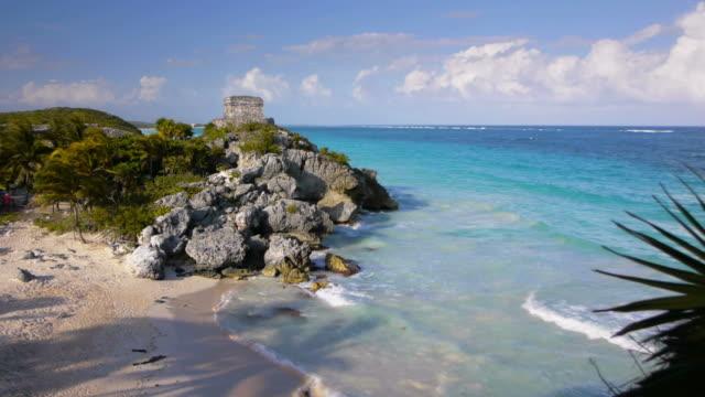 stockvideo's en b-roll-footage met tropical beach tulum mexico - caraïbische zee