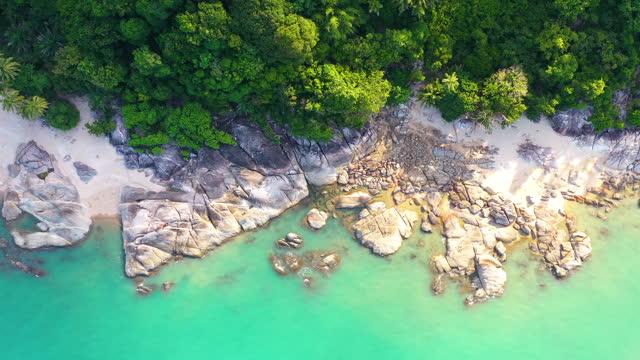 熱帯美しい海岸とターコイズブルーの水 - サムイ島点の映像素材/bロール