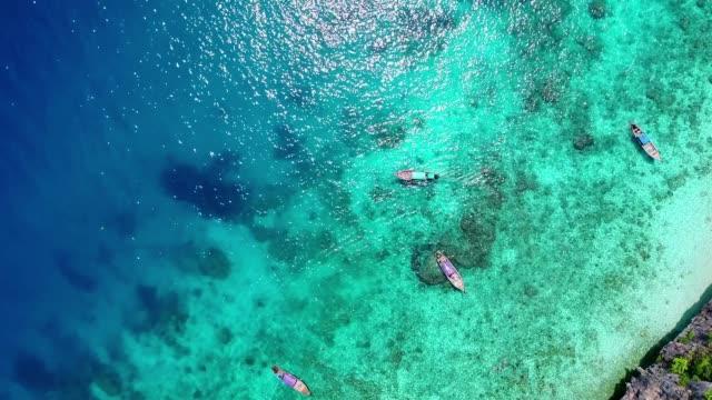 熱帯の島の空中写真。 - サムイ島点の映像素材/bロール