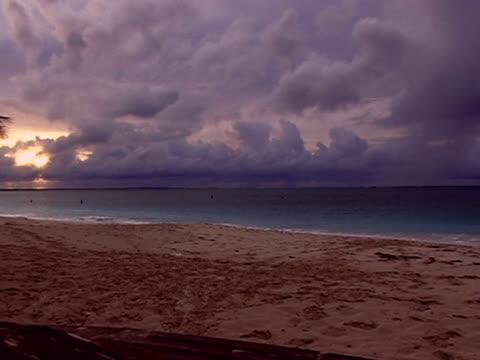 stockvideo's en b-roll-footage met tropical storm forming1 - providenciales
