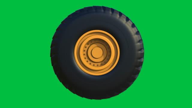 pneumatico camion con ruota gialla - truck tire video stock e b–roll