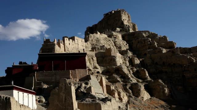 tsaparang, patrimonio storico, tibet, cina - telecomando background video stock e b–roll