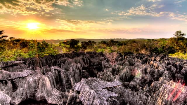 tsingy sunset timelapse - high dynamic range imaging bildbanksvideor och videomaterial från bakom kulisserna