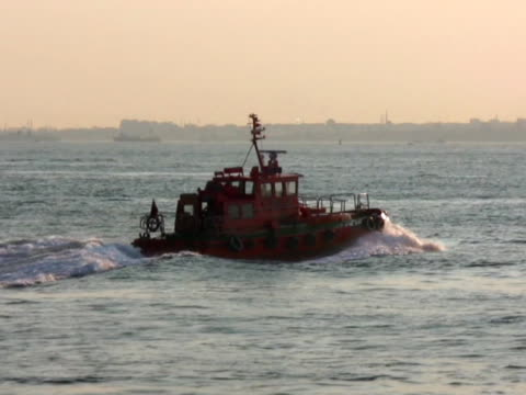Tugboat moving at full speed - PAL video