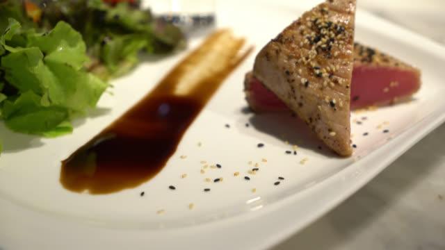 Tuna steak video
