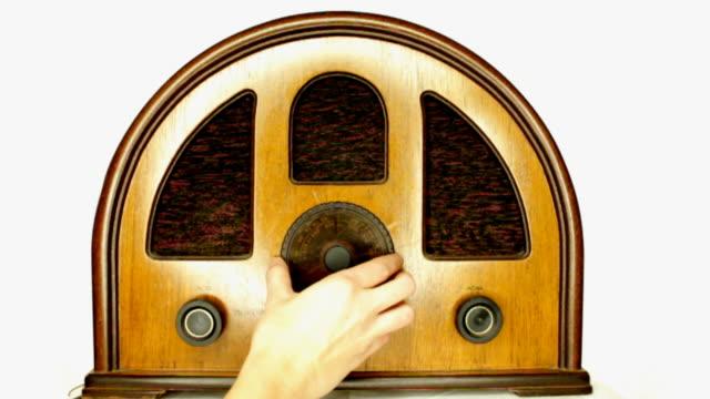 Tuning vintage radio video