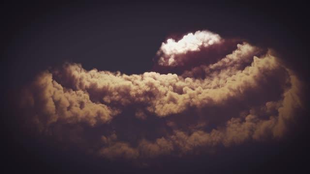vidéos et rushes de tunnel dans les nuages - entonnoir