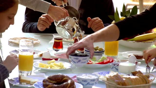 Turkish Generation Breakfast Family video