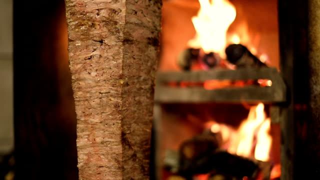 türkischen kebab - döner stock-videos und b-roll-filmmaterial