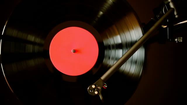 ターンテーブルプレイビニールレコード - アナログレコード点の映像素材/bロール