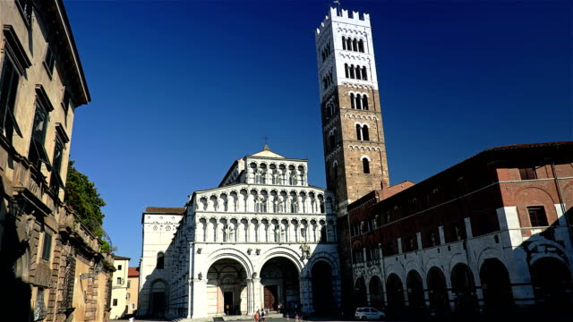 Toscana,Lucca, il Duomo - Timelapse video