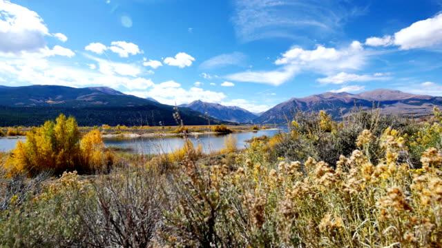vídeos de stock, filmes e b-roll de twin lakes - independence pass