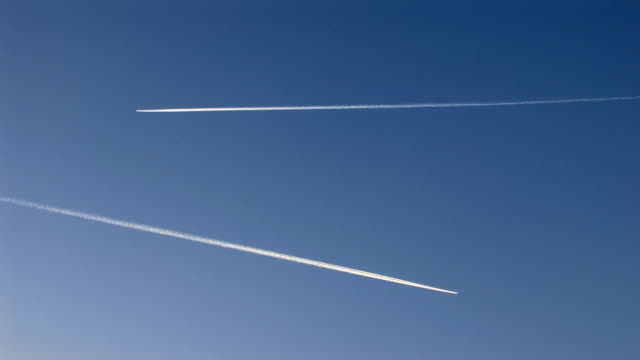 two contrails video
