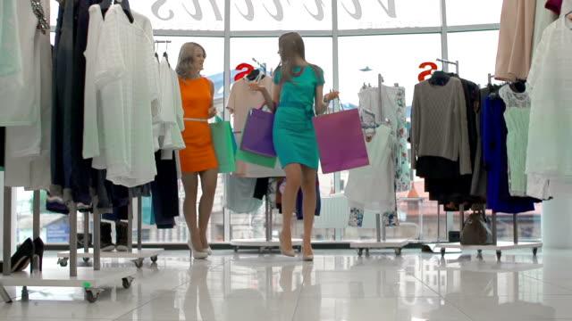 Two Fashionistas video