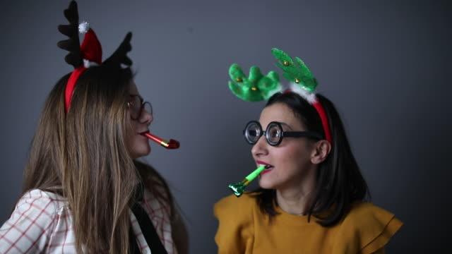 dwie nerdy dziewczyny - poroże filmów i materiałów b-roll