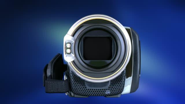 vídeos de stock e filmes b-roll de dois transição vídeos da câmara de vídeo de 4 k - going inside eye