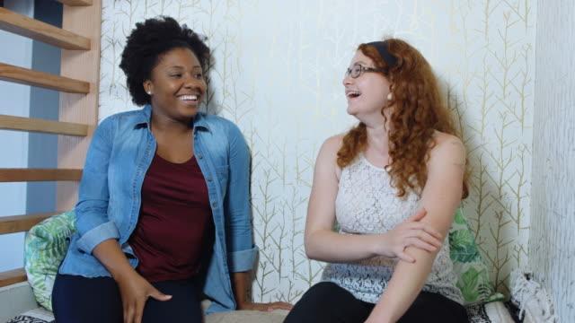 Two Women Joking Together - vídeo