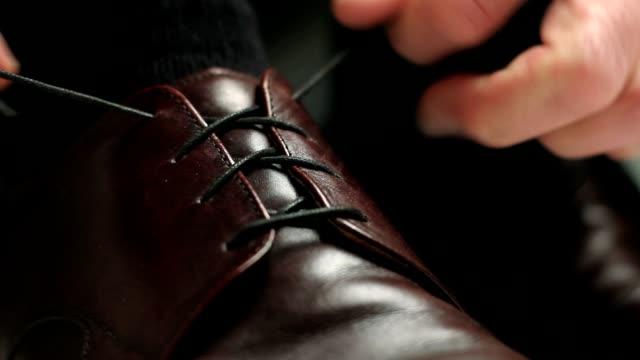 Tying Shoe video