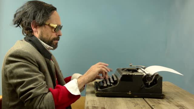 Typewriter Dumb 2 video