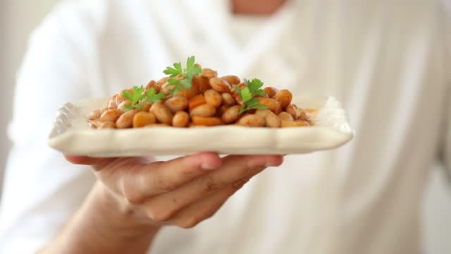 Typical Turkish bean dish (barbunya) video