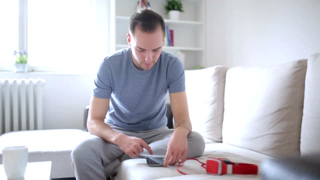 Typing on smart phone video