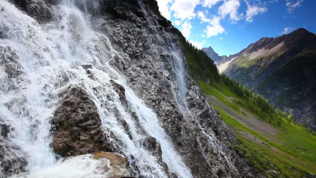 tirolese cascata, alpi, austria, tirolo - stato federato del tirolo video stock e b–roll