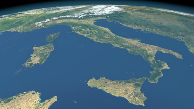 vídeos de stock, filmes e b-roll de mar tirreno no planeta terra, vista aérea do espaço sideral - itália