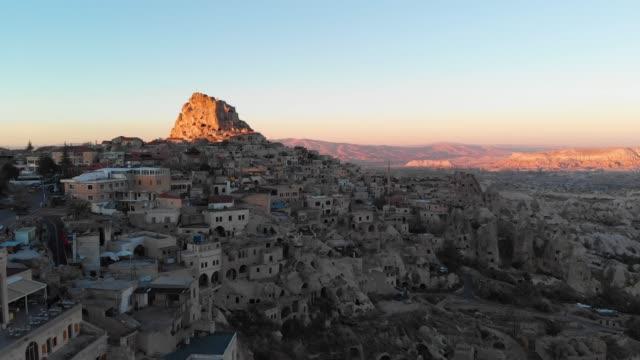 uçhisar fästning och staden - fornhistorisk tid bildbanksvideor och videomaterial från bakom kulisserna