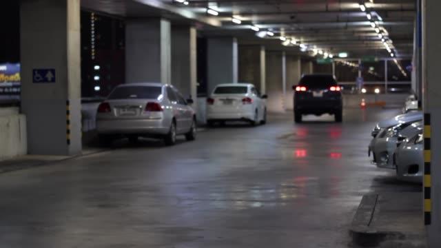 underground parking lot - garaż filmów i materiałów b-roll