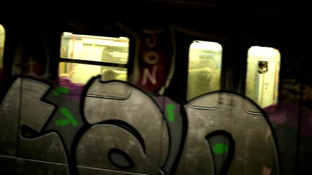 hd underground train station - klotter bildbanksvideor och videomaterial från bakom kulisserna