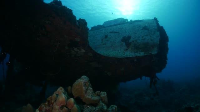 undersea wwii japanese military seaplane wreck - wrak statku filmów i materiałów b-roll
