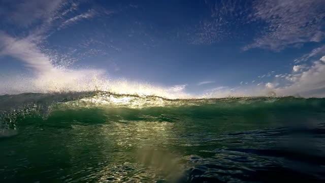 underwater waves - illavarslande bildbanksvideor och videomaterial från bakom kulisserna