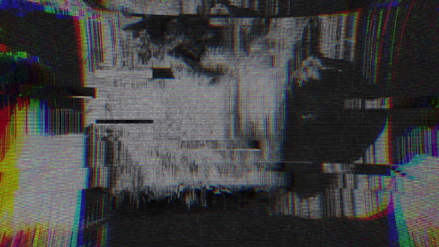 vídeos de stock, filmes e b-roll de exclusivo design abstrato animação digital pixel ruído falha erro vídeo danos - estreito mar