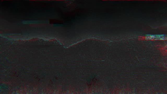 einzigartiges design abstrakte digitale animation pixel rauschen glitch fehler video schaden - verlegenheit stock-videos und b-roll-filmmaterial