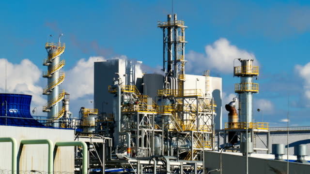 Units for nitric acid production on fertilizer plant. Timelapse video