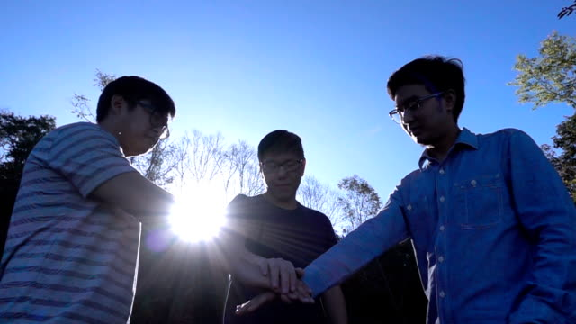 SLO MO Unity oath pile of Three Friend video